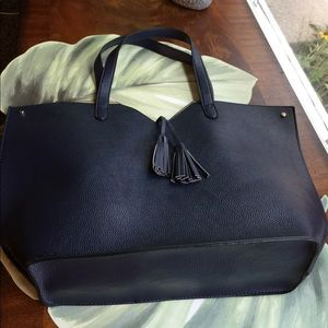 NEIMAN MARCUS NAVY FAUX LEATHER TOTE